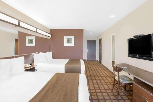 Microtel Inn & Suites By Wyndham Conway Photo