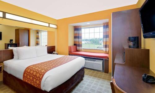 Microtel Inn & Suites by Wyndham Princeton Photo