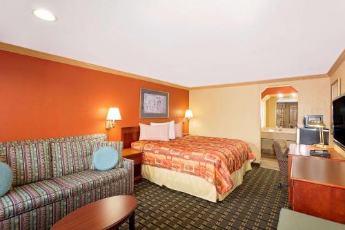 Knights Inn Port Charlotte Photo