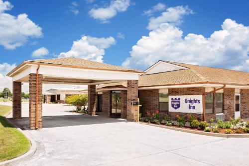 Knights Inn Muskogee Photo