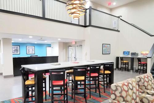 Hawthorn Suites Irving DFW South Photo