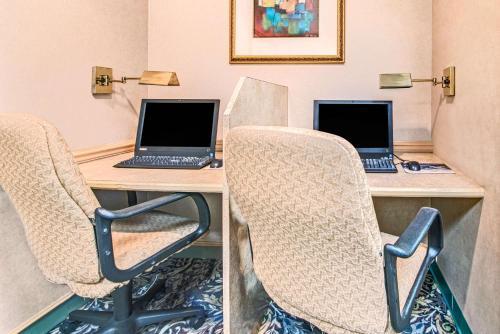 Hawthorn Suites By Wyndham Dallas Park Central Photo