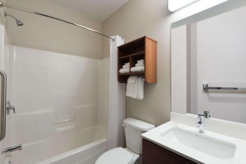 Microtel Inn & Suites By Wyndham Windham - Windham, ME 04062
