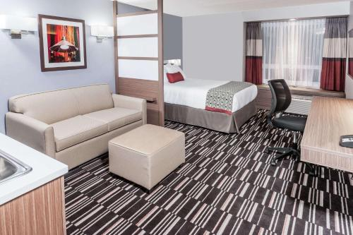 Microtel Inn & Suites by Wyndham Fort Saint John Photo