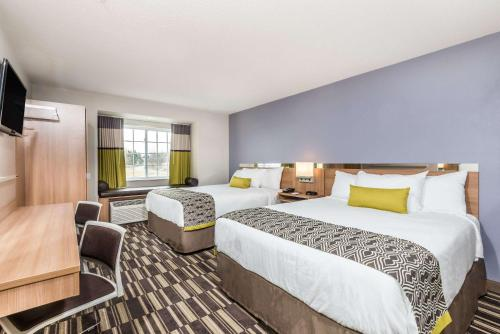 Microtel Inn & Suites by Wyndham Beaver Falls Photo