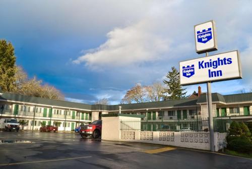 Knights Inn Salem Photo