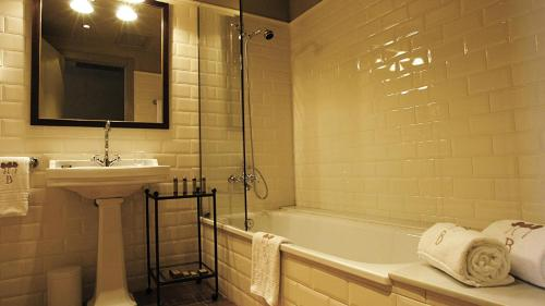 Double or Twin Room with Parking Bremon 7