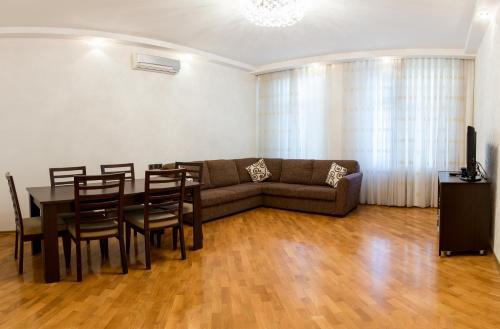 Апартаменты Просторные апартаменты с 2 спальнями