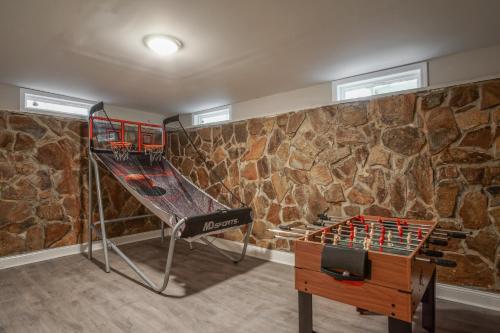 5 Bdr Lithonia Home W/ Game Room - Lithonia, GA 30038