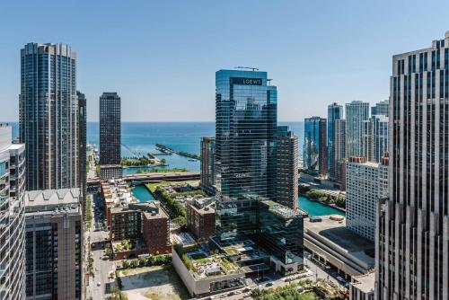 Luxury Home In Magnificent Miles - Chicago, IL 60611