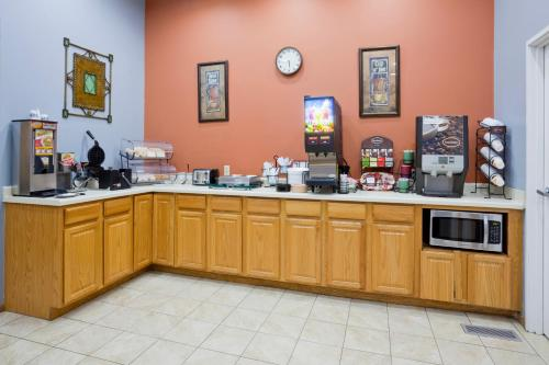 GrandStay Hotel and Suite Waseca Photo