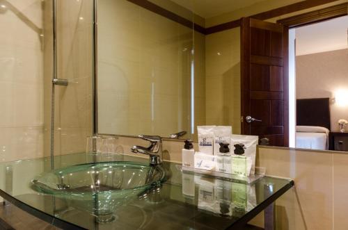 Habitación Doble con aparcamiento incluido Palacio San Facundo 8