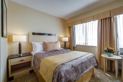 Monte Carlo Inn & Suites Downtown Markham - Markham, ON L3R 1B4