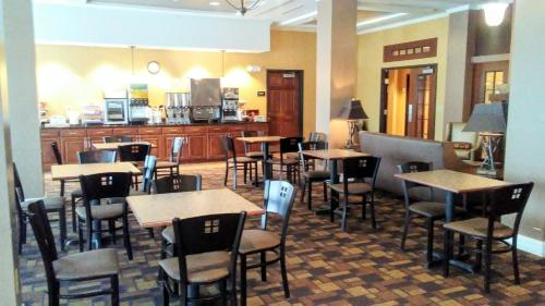 Astoria Hotel & Suites - Glendive Photo