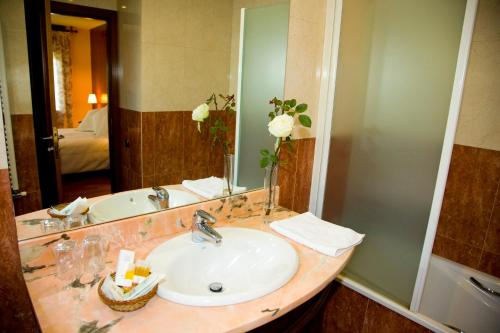 Suite con chimenea y acceso al spa Hotel Del Lago 14