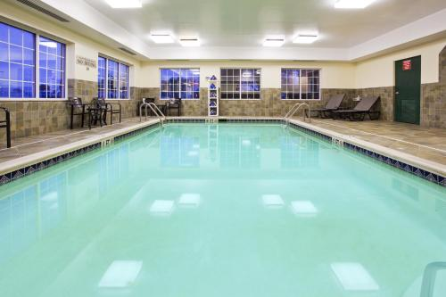 Country Inn & Suites by Radisson, Hagerstown, MD Photo
