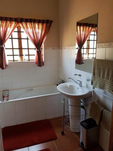 Zwavelpoort Guesthouse Photo