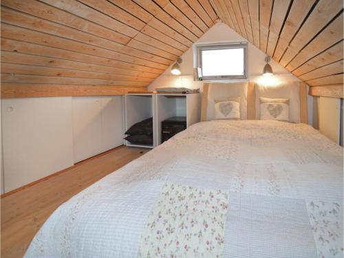 Two-bedroom Holiday Home In Karrebaksminde