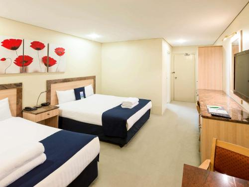 ibis Styles Canberra photo 62