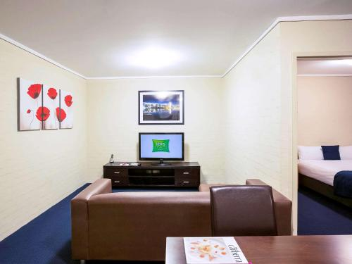 ibis Styles Canberra photo 66