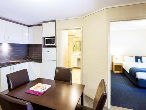 ibis Styles Canberra photo 69