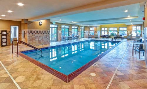 Residence Inn By Marriott Minneapolis Plymouth - Plymouth, MN 55441