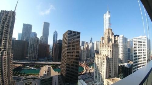 Lux 2b/2b - Magnificents Miles Panoramic Views - Chicago, IL 60611