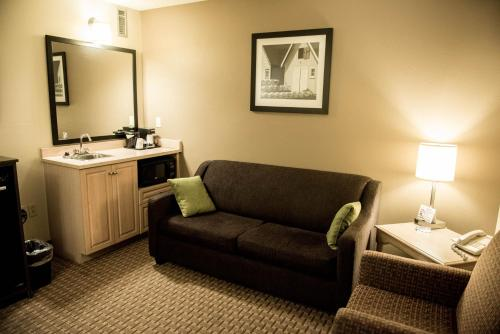 Travelodge Suites Moncton Photo