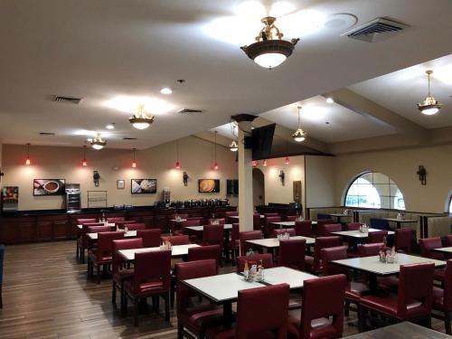 Best Western Plus Heritage Inn Photo