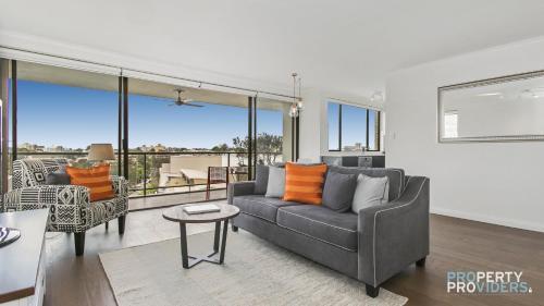 Neutral Bay Executive Apartment