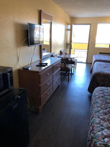 Sumner Motor Inn - Sumner, WA 98390