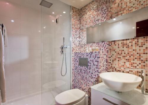 Color Design Hotel photo 29