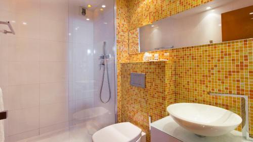 Color Design Hotel photo 30