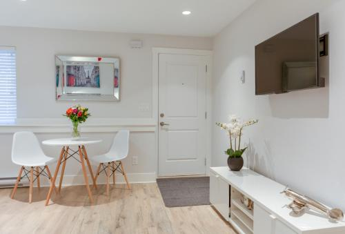 Stylish Studio Suite In Vancouver's East Village - Vancouver, BC V5L 1R5