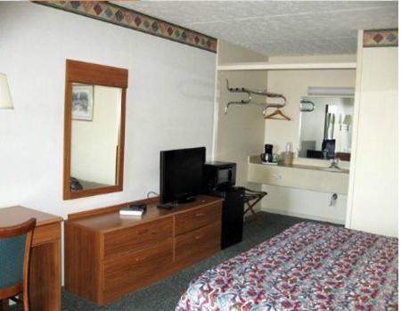 Mariann Travel Inn - Scottsburg, IN 47170