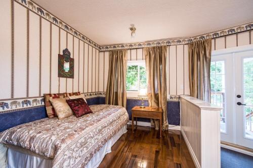 3 Bedroom Near Qualicum Beach - Qualicum Beach, BC V9K 1M1