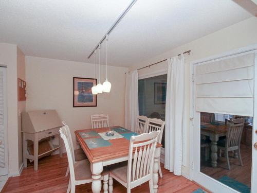 Courtside 1629 Villa Photo