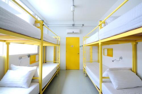 Jellybean EZY Hostel Sathorn photo 28