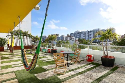 2216 Park Avenue, Miami Beach, FL 33139, United States.
