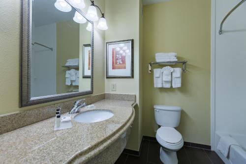 Country Inn & Suites by Radisson, San Marcos, TX Photo