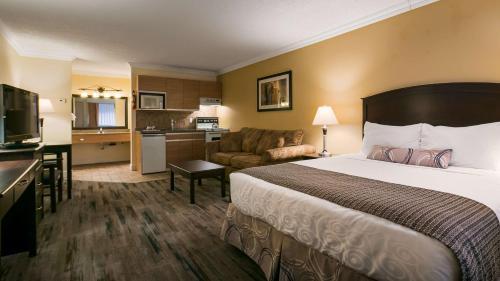 Best Western PLUS Burnaby Hotel Photo