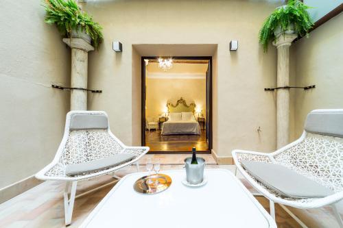 Habitación Premium con patio Hotel Casa 1800 Sevilla 1