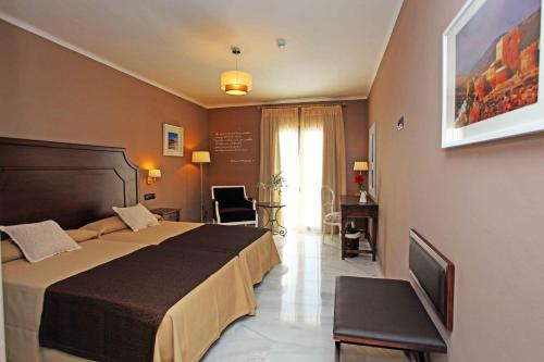 Double or Twin Room with Sea View Hotel La Fonda 16