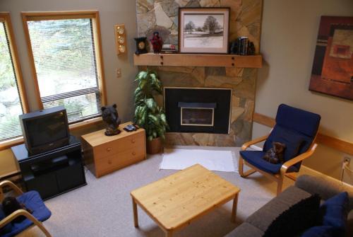 Whistler Superior Properties - Whistler, BC V0N 1B4