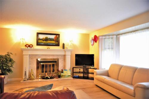 Comfortable House Near Blueberry Farm - Richmond, BC V6W 1C7