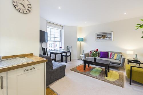 Fulham Broadway 2 Bedroom Apartment photo 15