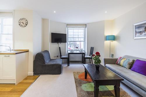 Fulham Broadway 2 Bedroom Apartment photo 16