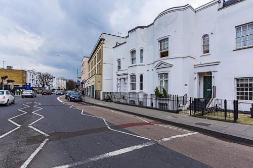 Fulham Broadway 2 Bedroom Apartment photo 17