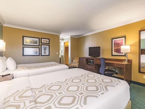 La Quinta Inn & Suites San Francisco Airport West Photo