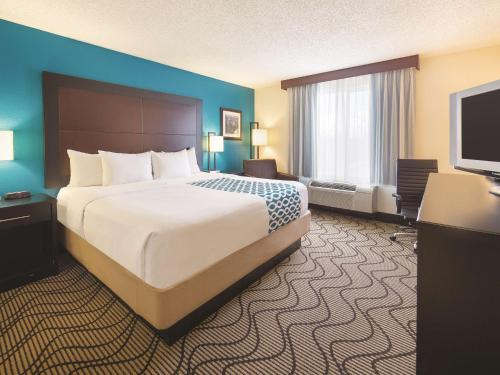 La Quinta Inn & Suites Central Point - Medford Photo